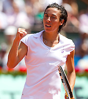Francesca Schiavone (ITA) (17) against Elena Dementieva (RUS) in the semi-final of the women's singles. Francesca Schiavone won the first set 7-6 when Elena Dementieva retired handing her the match..Tennis - French Open - Day 12 - Thur 03 June 2010 - Roland Garros - Paris - France..© FREY - AMN Images, 1st Floor, Barry House, 20-22 Worple Road, London. SW19 4DH - Tel: +44 (0) 208 947 0117 - contact@advantagemedianet.com - www.photoshelter.com/c/amnimages
