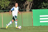 SAO PAULO, 05 DE JUNHO DE 2013 - TREINO PALMEIRAS - O jogador Ronny  durante treino do Palmeiras no CT da Barra Funda, na tarde desta quarta feira, 05, região oeste da capital. (FOTO: ALEXANDRE MOREIRA / BRAZIL PHOTO PRESS)