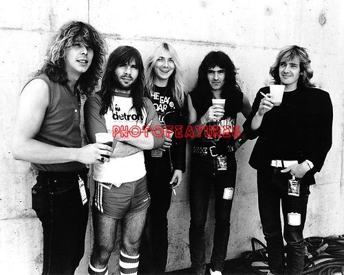 Iron Maiden 1982 Clive Burr, Bruce Dickinson, Dave Murray, Steve Harris andAdrian Smith<br />