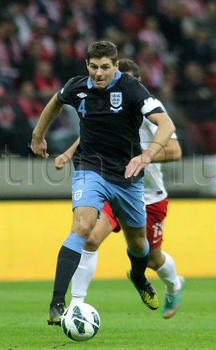 17.10.2012, Warsaw, Poland. World Cup 2014 group stages. Poland versus England. STEVEN GERRARD (ENG)breaks forward with the ball