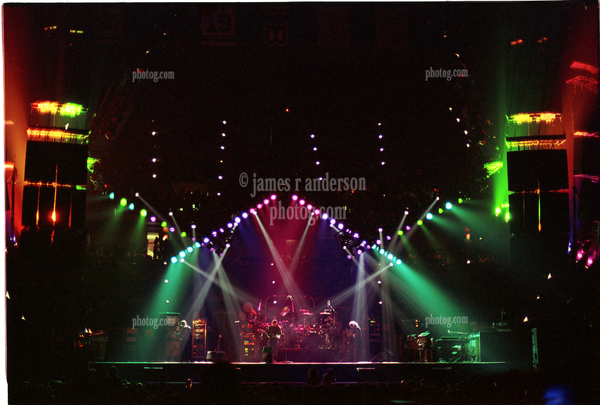 The Grateful Dead Live at The Civic Center Hartford Connecticut on the 19th of March & The Grateful Dead Stage and Lights at The Civic Center ... azcodes.com