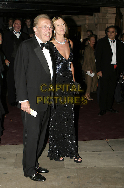 DAVID FROST & WIFE.Woman In White Royal Gala Performance, Palace Theatre.September 13th, 2004.full length, tuxedo, husband, married.www.capitalpictures.com.sales@capitalpictures.com.© Capital Pictures.
