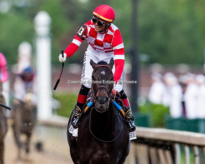 LOUISVILLE, KENTUCKY - MAY 03: Jose Ortiz celebrates aboard Serengeti Empress as he wins the Kentucky Oaks at Churchill Downs in Louisville, Kentucky on May 03, 2019. Evers/Eclipse Sportswire/CSM
