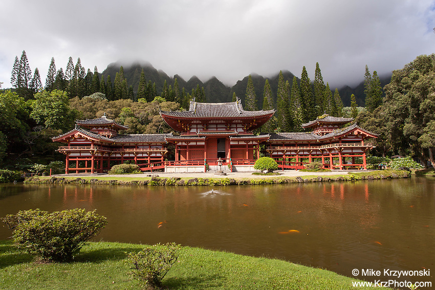 Byodo-In Temple at the Valley of the Temples Memorial Park, Kaneohe, Oahu, Hawaii