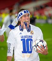 LISBOA, PORTUGUAL, 24.05.2014 - LIGA DOS CAMPEOES - REAL MADRID - ATLETICO DE MADRID - Gareth Bale comemora a conquista da Liga dos Campeões após a vitória por 4 a 1, na prorrogação contra o Atlético de Madrid, no estádio da Luz, em Lisboa, Portugal, neste sábado. O Real conquistou a taça da Liga pela 10ª vez. (PHOTO: PIXATHLON / BRAZIL PHOTO PRESS).