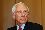 "Bank of Israel Governor Stanley Fischer at a press conference accompanying the release of the Bank of Israel's annual report, Jerusalem, Sunday, April 19, 2009. Stanley Fischer declared that ""the report says we are dealing with the current crisis relatively well"", although he did stress that he expects the decline to continue and that he believes that the Israeli economy has yet to reach its lowest point. Photo By: Tess Scheflan / JINI"