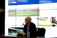 SÃO PAULO,SP,02 AGOSTO 2012 -ILUMINAÇÃO ESTADIO CORINTHIANS<br />  Aníbal Coutinho, arquiteto da Arena Corinthians concederão entrevista coletiva no CT Dr. Joaquim Grava para apresentar detalhes a respeito da iluminação do futuro estádio do Corinthians. FOTO ALE VIANNA - BRAZIL FOTO PRESS