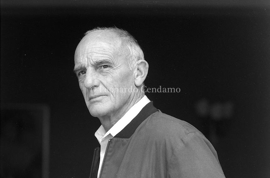 Leroy, Philippe (propr. Leroy-Beaulieu, Philippe)<br /> <br /> Attore cinematografico francese, nato a Parigi il 15 ottobre 1930. Ha saputo imporre, sia in ruoli di eroe sia in quelli negativi, infidi o crudeli, il suo personaggio di 'duro' dal fisico asciutto e atletico, dal volto scavato e dal carattere deciso. In oltre quarant'anni di carriera &egrave; apparso in quasi centocinquanta film (essenzialmente italiani), anche se spesso in parti di secondo piano, passando attraverso tutti i generi, dal peplum all'horror, dal thriller alla commedia. Viareggio 1991. Festival Europa del Cinema. &copy; Leonardo Cendamo