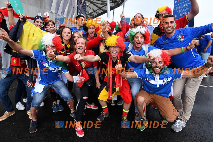 Tifosi Italia e Belgio Supporters Italy and Belgium <br /> Lyon 13-06-2016 Grand Stade de Lyon Football Euro2016 Belgium-Italy / Belgio-Italia Group Stage Group E. Foto Jimmy Bolcina / Panoramic / Insidefoto