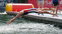 30 JUL 2006 - SALFORD, UK - Vanessa Raw - Salford ITU World Cup triathlon round. (PHOTO (C) NIGEL FARROW)