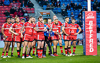 Picture by Allan McKenzie/SWpix.com - 26/04/2018 - Rugby League - Betfred Super League - Salford Red Devils v St Helens - AJ Bell Stadium, Salford, England - Salford look on in dejection as they slide to defeat against St Helens.