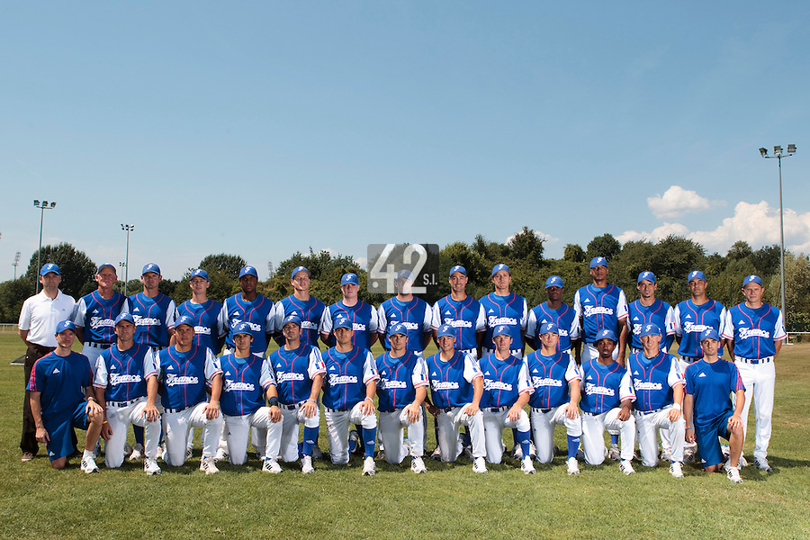 21 july 2010: Team France poses during a practice prior to the 2010 European Championship Seniors, in Neuenburg, Germany.