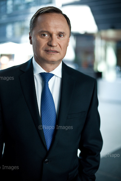 WARSZAWA, 29/04/2015:<br /> Leszek Czarnecki, szef Getin Bank, w biurze w Warszawie.<br /> Fot: Piotr Malecki / Napo Images dla Forbes<br /> <br /> WARSAW, 29/04/2015:<br /> Leszek Czarnecki, head of Getin Bank, at his office in Warsaw.<br /> Fot: Piotr Malecki / Napo Images dla Forbes