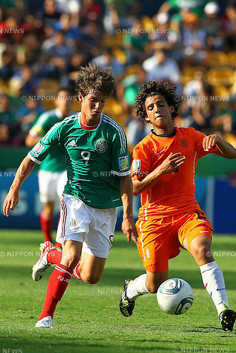 Carlos Fierro (MEX), Yassine Ayoub (NED), JUNE 24, 2011 - Football : 2011 FIFA U-17 World Cup Mexico Group A match between Mexico 3-2 Netherlands at Estadio Universitario in Monterrey, Mexico. (Photo by MEXSPORT/AFLO)