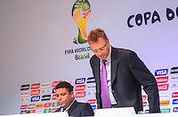 RIO DE JANEIRO, RJ, 30 AGOSTO 2012-FIFA-ENTREVISTA COLETIVA- Ronaldo membro do COL e o secretario-geral da FIFA, Jerome Valcke na entrevista coletiva realizada pelo Comitê Organizador Local (COL) da Copa do Mundo da FIFA 2014, posterior à reunião de Diretoria do COL, no dia 30 de agosto de 2012, no Rio de Janeiro, no Hotel Windsor, na Barra da Tijuca, zona oeste do Rio de Janeiro.(FOTO:MARCELO FONSECA/BRAZIL PHOTO PRESS).