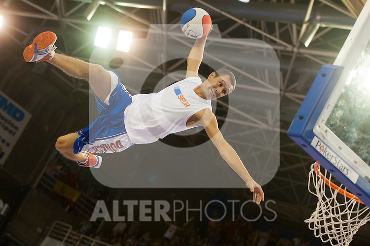 Acrobatic exibition  during friendly match.July 9,2012.(ALTERPHOTOS/Ricky)