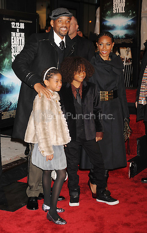 Willow Smith, Will Smith, Jaden Smtih and Jaden Pinkett Smith attend 'The Day The Earth Stood Still' Premiere at AMC Loews Lincoln Square in New York City. December 9, 2008. Credit: Dennis Van Tine/MediaPunch