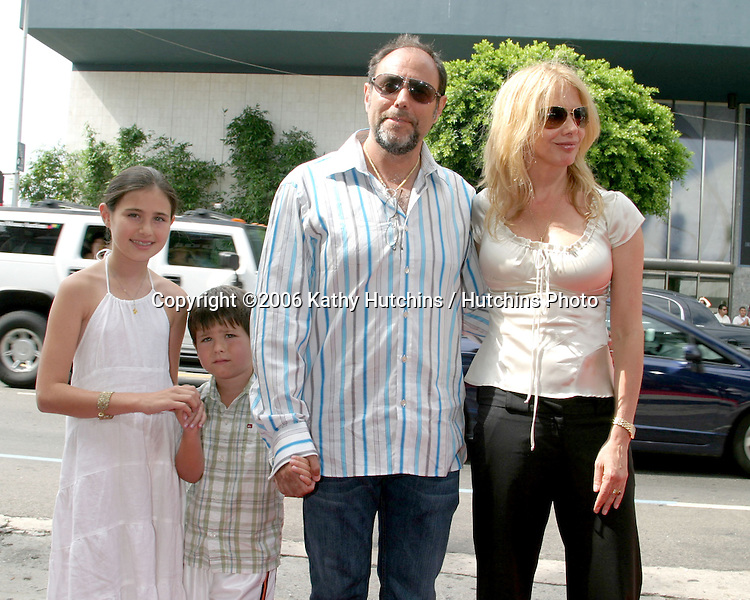 "Rosanna Arquette & Guests.""Barnyard"" Premiere.ArcLight Theaters.Los Angeles, CA.July 30, 2006.©2006 Kathy Hutchins / Hutchins Photo...."