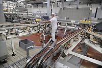 - Novara, stabilimento Pavesi (gruppo Barilla), linea di produzione dei biscotti Ringo<br /> <br /> - Novara, Pavesi plant (Barilla Group), production line of Ringo biscuits