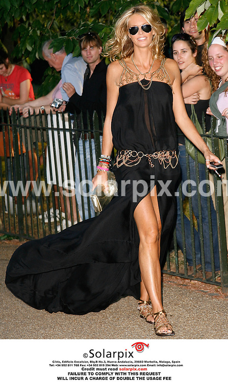 "ALL ROUND PICTURES FROM SOLARPIX.COM.Elle Macpherson arrives for the Serpentine Gallery Summer Party in Hyde Park, London on 11.07.06.  Job Ref: 2572/PRS..""MUST CREDIT SOLARPIX.COM OR DOUBLE FEE WILL BE CHARGED"""