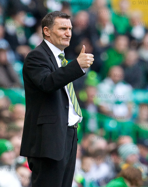 Tomy Mowbray thumbs up
