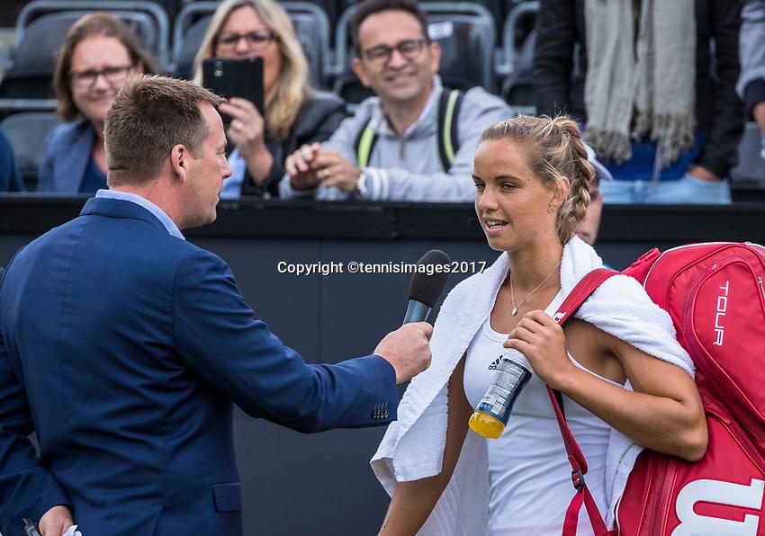 Den Bosch, Netherlands, 12 June, 2017, Tennis, Ricoh Open, Arantxa Rus (NED) being interview by Edward van Cuilenborg <br /> Photo: Henk Koster/tennisimages.com