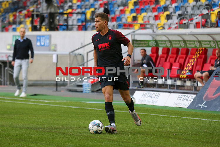 Augsburgs Florian Niederlechner #7<br />