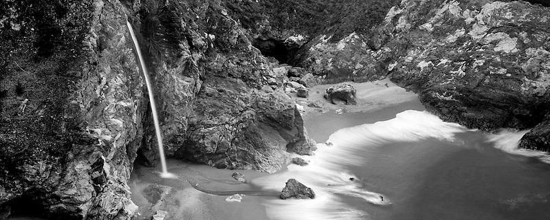 McWay Falls. Julia Pfeiffer Burns State Park. California