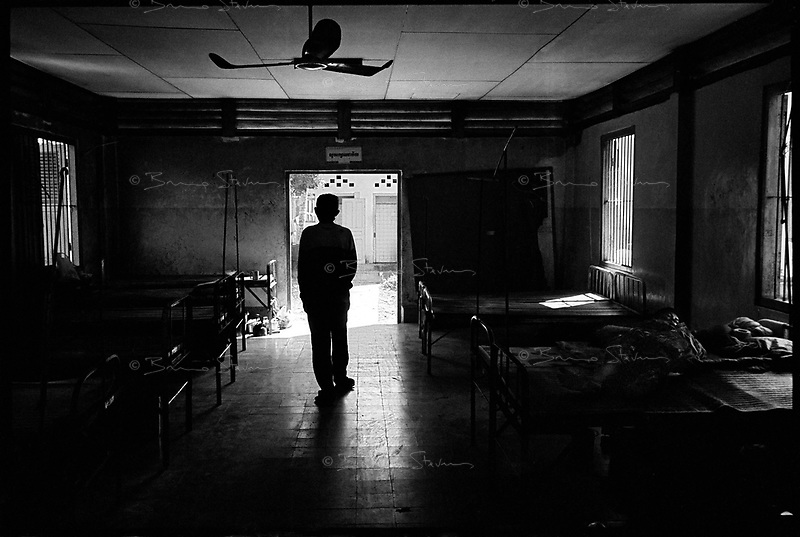 Battambang, Cambodia, December 2006..The Tuberculosis ward from the Battambang provincial hospital. TB is endemic in the region, fueled by poverty, malnutrition, inadequate hygiene and the spreading of HIV/AIDS. The percentage of drug-resistant TB strains is on a sharp rise due to inadequate treatments.