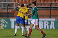 ATENÇÃO EDITOR FOTO EMBARGADA PARA VEÍCULOS INTERNACIONAIS - SAO PAULO, SP, 13 DE DEZEMBRO DE 2012 - TORNEIO INTERNACIONAL CIDADE DE SÃO PAULO - BRASIL x MEXICO: Rosana (E) comemora gol durante partida Brasil x Mexico, válido pelo Torneio Internacional Cidade de São Paulo de Futebol Feminino, realizado no estádio do Pacaembú em São PauloFOTO: LEVI BIANCO - BRAZIL PHOTO PRESS
