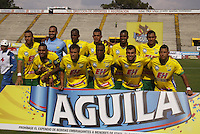NEIVA, COLOMBIA, 24-02-2016: Jugadores del Huila posan para una foto previo al partido entre Atlético Huila y Independiente Medellín válido por la fecha  6 de la Liga Águila I 2016 jugado en el estadio Guillermo Plazas Alcid de la ciudad de Neiva./ Players of Huila pose to a photo prior the match between Atletico Huila and Independiente Medellin valid for the date 6 of the Aguila League I 2016 played at Guillermo Plazas Alcid in Neiva city. VizzorImage / Sergio Reyes / Cont