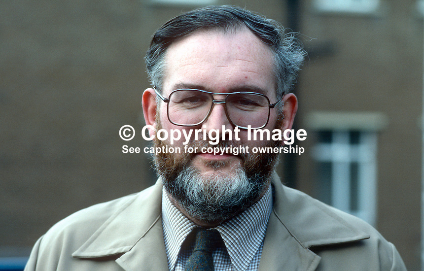 Bert Montgomery, businessman, Londonderry, N Ireland, official Derry City Football Club, 19840033BM..Copyright Image from Victor Patterson, 54 Dorchester Park, Belfast, UK, BT9 6RJ..Tel: +44 28 9066 1296.Mob: +44 7802 353836.Voicemail +44 20 8816 7153.Skype: victorpattersonbelfast.Email: victorpatterson@me.com.Email: victorpatterson@ireland.com (back-up)..IMPORTANT: If you wish to use this image or any other of my images please go to www.victorpatterson.com and click on the Terms & Conditions. Then contact me by email or phone with the reference number(s) of the image(s) concerned.