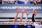 06.12.2018, ZF Arena, Friedrichshafen<br />Volleyball, Bundesliga MŠnner / Maenner, Normalrunde VfB Friedrichshafen vs. SWD powervolleys DŸren / Dueren<br /><br />Block / Doppelblock Jakob GŸnthšr / Guenthoer (#12 Friedrichshafen), David Sossenheimer (#5 Friedrichshafen) - Angriff Sebastian Gevert (#13 Dueren)<br /><br />  Foto &copy; nordphoto / Kurth