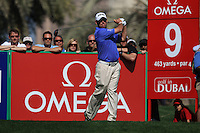 Lee Westwood (ENG) tees off on the 9th tee during Sunday's Final Round of the 2012 Omega Dubai Desert Classic at Emirates Golf Club Majlis Course, Dubai, United Arab Emirates, 12th February 2012(Photo Eoin Clarke/www.golffile.ie)