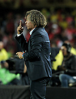 BOGOTA - COLOMBIA - 18-12-2016: Alberto Gamero, coach of Deportes Tolima, during a match for the second leg between Independiente Santa Fe and Deportes Tolima, for the final of the Liga Aguila II -2016 at the Nemesio Camacho El Campin Stadium in Bogota city, Photo: VizzorImage / Luis Ramirez / Staff.