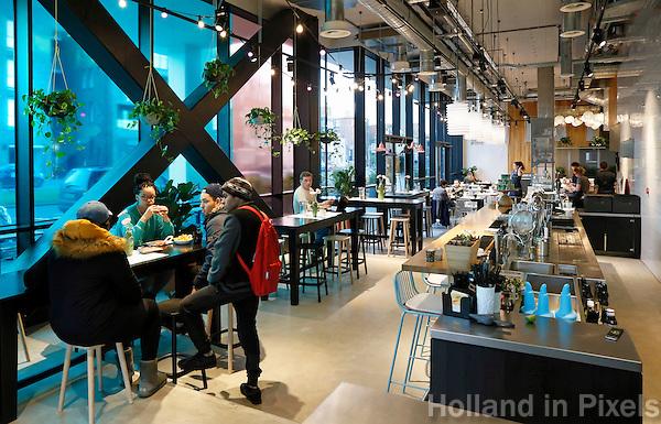 Nederland  Groningen 2016. The Student Hotel. Restaurant The Pool.Foto Berlinda van Dam / Hollandse Hoogte