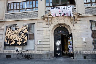 "Genève, le 21.04.2010.L'usine, banderolle anti-mugny. ""demugny de culture"".© Le Courrier / J.-P. Di Silvestro"