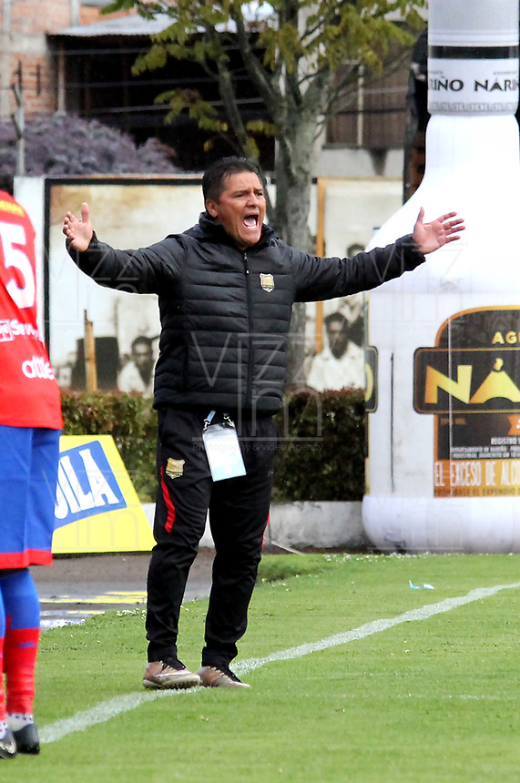 IPIALES-COLOMBIA, 24-10-2019: Flabio Torres, técnico de Rionegro Águilas Doradas gesticula durante partido de la fecha 19 entre Deportivo Pasto y Rionegro Águilas Doradas por la Liga Águila II 2019  jugado en el estadio Municipal de Ipiales de la Ciudad de Ipiales. / Flabio Torres, coach of Rionegro Aguilas Doradas gestures during a match of the 19th date between Deportivo Pasto and Rionegro Aguilas Doradas for the Aguila Leguaje II 2019 played at the Municipal de Ipiales stadium in Ipiales city. Photo: VizzorImage / Leonardo Castro / Cont.