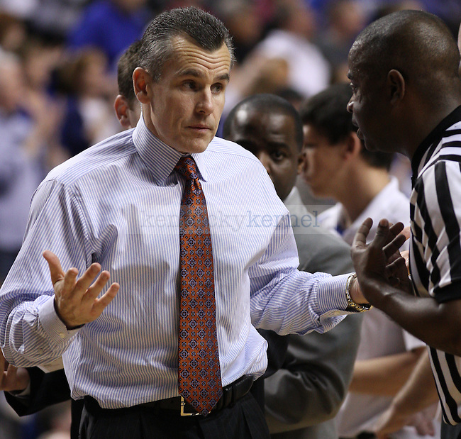 Florida head coach Billy Donovan tries to tell the ref how to do his job. in Lexington, Ky., on Saturday, March, 9, 2013. Photo by James Holt | Staff