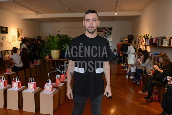 Augusto Mariotti<br /> <br /> Isabela Capeto<br /> <br /> S&atilde;o Paulo Fashion Week- Ver&atilde;o 2016<br /> Abril/2015<br /> <br /> foto: Gabriel Cappelletti/ Ag&ecirc;ncia Fotosite