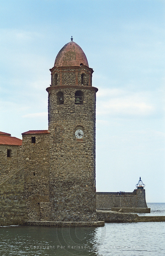 The famous stone church Notre Dame des Anges in the harbour of the Collioure fishing village, Languedoc-Roussillon, France