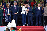 BOGOTÁ - COLOMBIA, 20-07-2018: Presidente de Colombia Juan Manuel Santos y su esposa Maria Clemencia Rodriguez de Santos durante el desfile Militar del 20 de Julio con motivo del 208 Aniversario de la Independencia de Colombia realizado por las calles de la ciudad de Bogotá. / President of Colombia Juan Manuel Santos and his wife Maria Clemencia Rodriguez de Santos during July 20th Military Parade on the occasion of the 208th Anniversary Independence of Colombia that took place trough the streets of Bogota city. Photo: VizzorImage / Diego Cuevas / Cont
