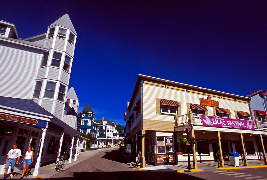 QUAINT STREETS AND SHOPS OF DOWNTOWN MACKINAC ISLAND, MICHIGAN.