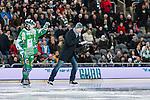 Stockholm 2014-01-10 Bandy Elitserien Hammarby IF - Sandvikens AIK :  <br />  Robert Tennisberg ute p&aring; isen p&aring; skridskor var speaker under matchen<br /> (Foto: Kenta J&ouml;nsson) Nyckelord: