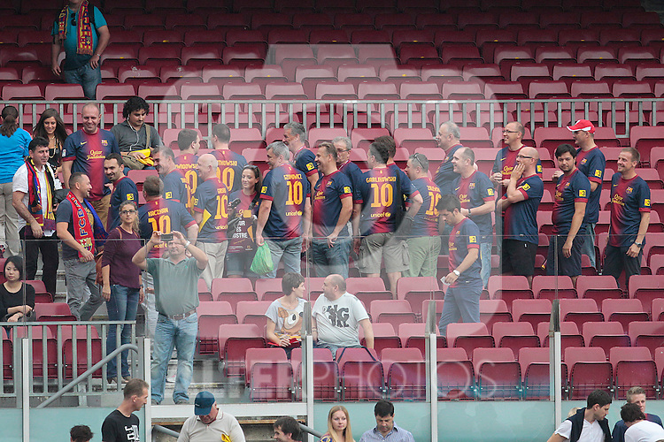 Barcelona's supporters during la Liga match on october 7th 2012. ..Photo: Cesar Cebola  / ALFAQUI
