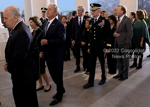 WASHINGTON, DC - DECEMBER 03: Former U.S. President George W. Bush and members of his family follow the casket carrying his father, former U.S. President George H. W. Bush, into the U.S. Capitol December 3, 2018 in Washington, DC. A state funeral for former U.S. President Bush will be held in Washington over the next three days, beginning with him lying in state in the Rotunda of the Capitol until Wednesday morning.(Photo by Win McNamee/Getty Images)