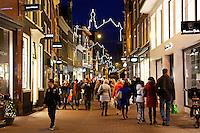 Haarlem -  De Anton Pieck Parade is een festival gebaseerd op de tijd rond 1900 in de sfeer van de tekeningen van Anton Pieck . Er wordt kerstmuziek gespeeld, er is  straattheater te zien en worden er oude ambachten getoond.