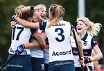 HUIZEN  -   Vera van Schagen (HUI) scoort 1-0  en viert het met Amber Folmer (HUI) , Vivianne Schuurman (HUI) en Kaya Lucker (HUI) , hoofdklasse competitiewedstrijd hockey dames, Huizen-Groningen (1-1)  . COPYRIGHT  KOEN SUYK