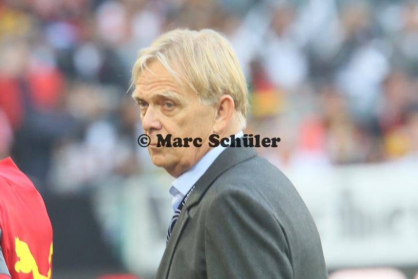 Kameruns Nationaltrainer Volker Finke - Deutschland vs. Kamerun, Mönchengladbach