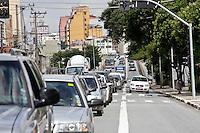 SÃO PAULO, 30  DE MARÇO DE 2013 - TRANSITO SP - Trânsito intenso no viaduto Engenheiro Orlando Murgel, região central de São Paulo, na tarde deste sábado(30) sentido bairro. O Viaduto  é uma importante via de acesso entre a zona norte, marginal Tietê e o centro da capital paulista - FOTO: LOLA OLIVEIRA/BRAZIL PHOTO PRESS